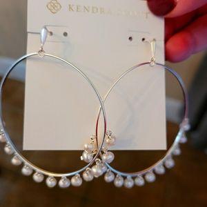 Kendra Scott Hilty Silver Hoop earrings in pearl